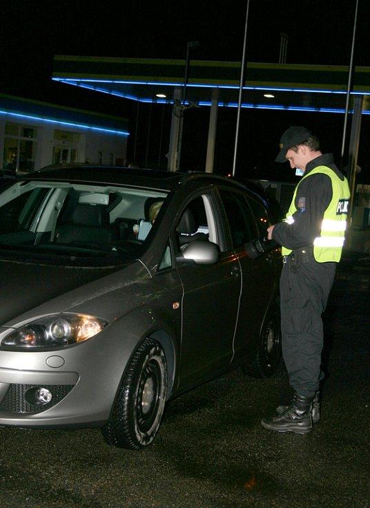 Do bezpečnostní bylo v pátek a sobotu mimořádně nasazeno několik desítek policistů.