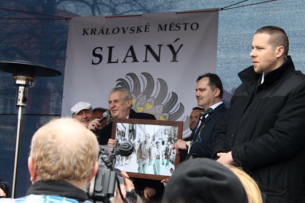 Návštěva prezidenta Miloše Zemana ve Slaném na náměstí.