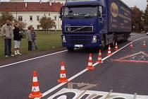 Smečenská silnice byla slavnostně otevřena. Za za dvacet milionů korun byla vybudována díky dotacím  z kraje.