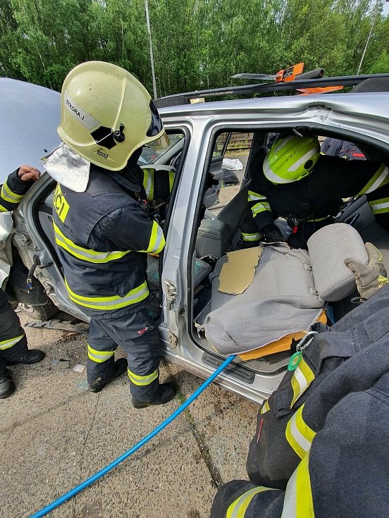 Výcvik kladenských hasičů.
