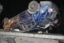 Automobil je po nehodě na odpis.