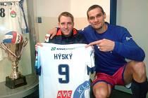 Jan Opata z Kladna měl nejlepší odhad. Osobně si mohl převzít dres smečaře Tomáše Hýského.