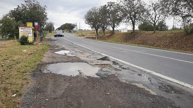 Opravy silnice u Kladna omezí i nájezd na dálnici D7