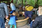 Z prvního ročníku amatérské burzy minerálů v Hornickém skanzenu Mayrau