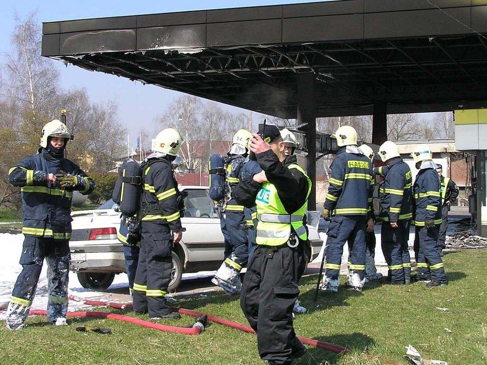 Profesionální ani dobrovolní hasiči už dlouhou dobu u takového požáru nezasahovali.