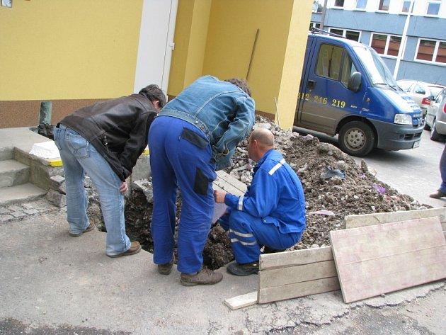Únik plynu v Plzeňské ulici v Kladně