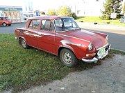 Přehlídka historických vozidel v Kladně Kročehlavech.