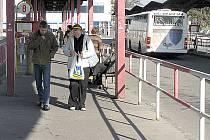 Změny v jízdních řádech pravděpodobně nejvíce uvítají lidé, kteří do Kladna dojíždějí za prací či do školy.