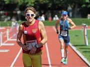 Druhé místo patří Miloši Fialovi, v závěru přeběhl Michala Kováře // Kladenský maratón 2013