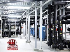 Nutností pro získání certifikace je plně redundantní provoz systémů napájení i chlazení.