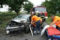 Záchrana řidiče z vraku Ranaultu Megane