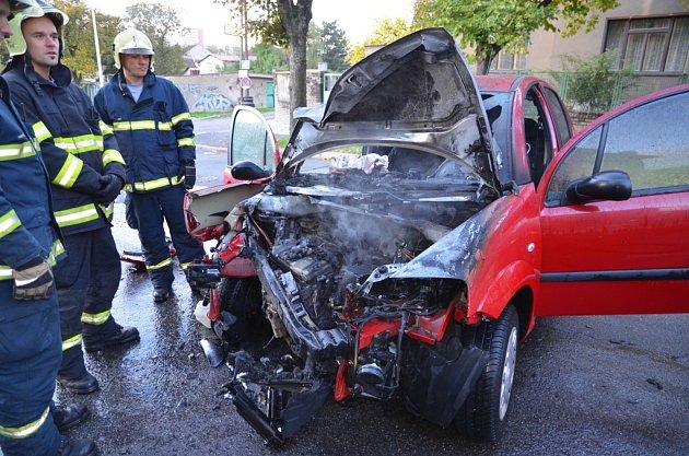 Hořící vůz.