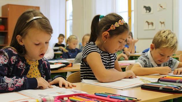 Ze zlonické školy (ilustrační foto).