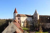 Z pocty tradicím republiky na hradě Křivoklát.