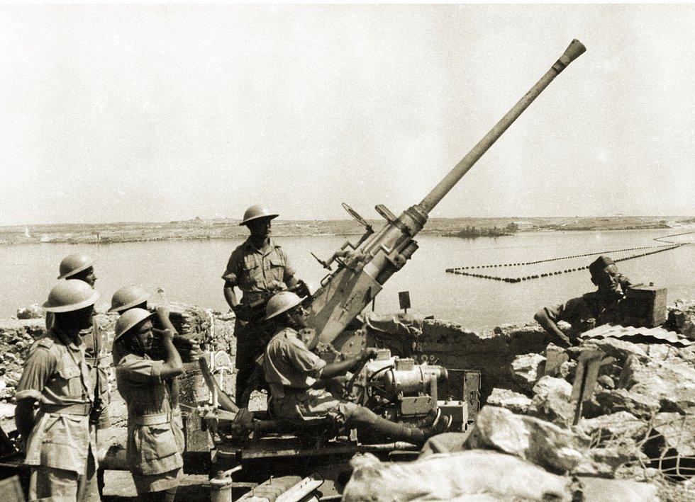 Od ledna 1943 byli Čechoslováci v Tobruku začleněni do protiletadlové obrany přístavu a letišť el-Adem a Bu Amud.