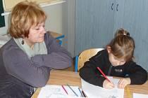 U zápisu děti prokazují své vnímání počtu, obrazu, barev a další dovednosti.