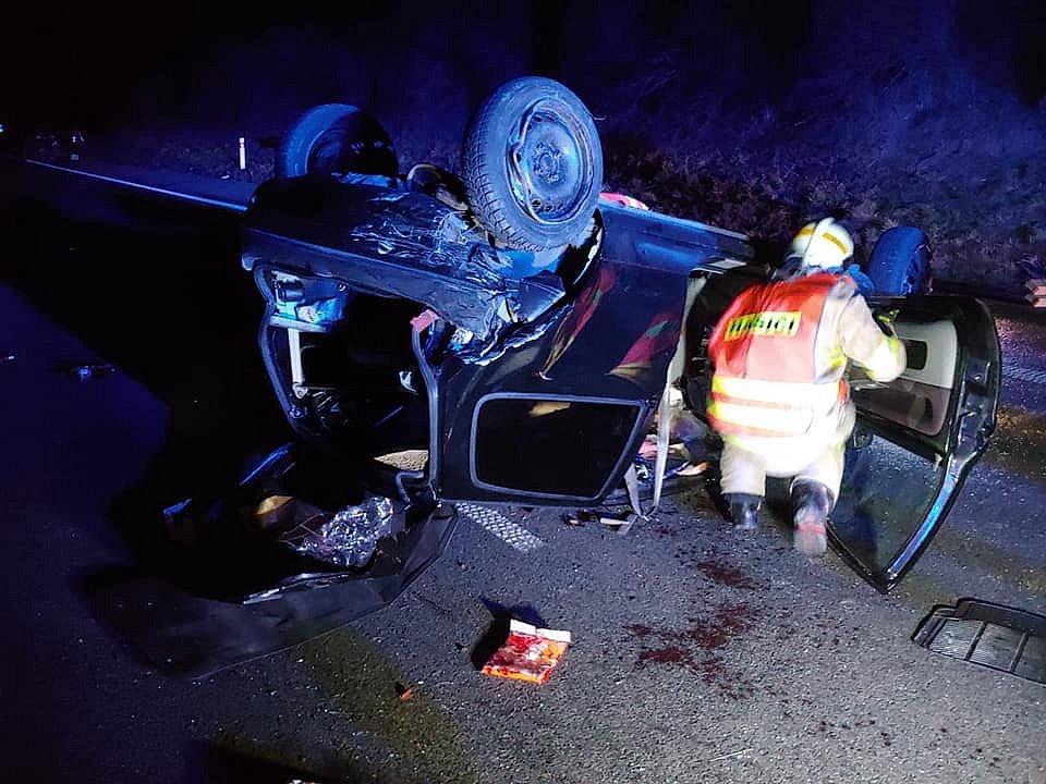 Z nehody na dálnici D7 na Kladensku.