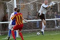 Michal Majtaník v akci // Sokol LIDICE - Slovan VELVARY 6:3 (5:2), utkání I.B tř. stč. kraj, A3A 0406 tř. 2010/11, hráno11.9.2010