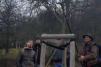 Kladeňáci se učili zdarma prořezávat stromy.