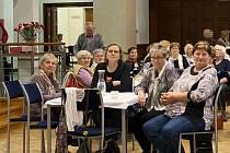 Aktivní senioři žijí také ve Slaném. Na výroční schůzi jich v Městském centru Grand přivítal tento týden starosta Martin Hrabánek na 150.