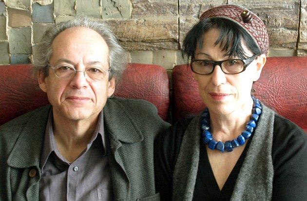Na vernisáž do Kladna přijede Jacqueline Salmon se svým maželem, uměleckým kritikem Jean Christianem Fleurym.