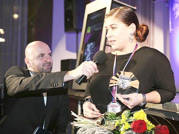 Ondřej Krátoška s Hvězdou Deníku pro okres Slaný Hanou Horálkovou.