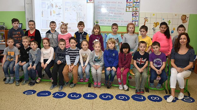 Prvňáčci I. Aze ZŠ Zlonice pod vedením třídní učitelky Ivy Šedové.