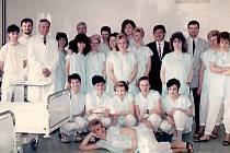 Snímky ze slavnostního otevření dialyzačního střediska v Kladně před 25 lety.