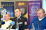 Čeští sportovci se spojili a rozhodli se pomoci rodinám dvou příslušníků Vězeňské služby ČR, kteří zahynuli při střelbě útočníka v ostravské nemocnici během prosince.
