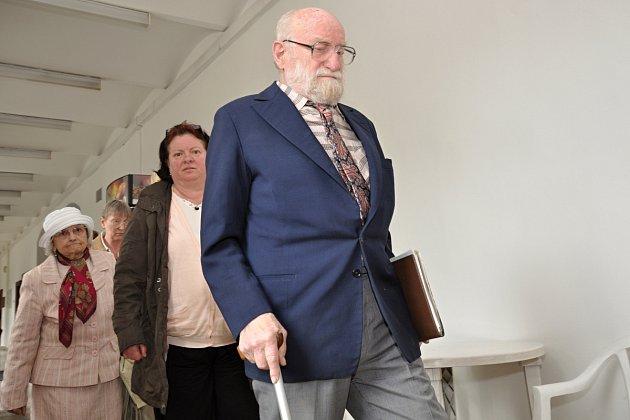 Předmětem soudních tahanic zůstává i po pondělním jednání Krajského soudu v Praze sousoší 82 lidických dětí v areálu Památníku Lidice