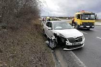 Dopravní nehoda na dálnici D6 ve směru na Prahu.
