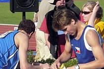 David Svoboda si postup do finále vybojoval s přehledem. To jeho spolubojovníka Jana Jakubíčka stal hodně sil.