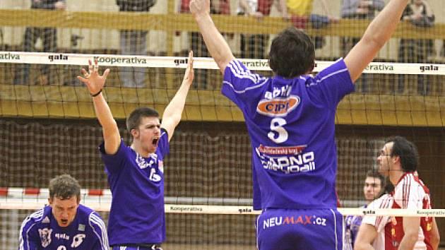 V tento moment je již o vítězi 1. semifinále rozhodnuto, zleva Martin Böhm a Vladimír Sobotka...