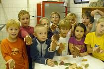 Pětina žáků školy v Brjanské ulici v Kladně využila možnosti seznámit se s keramickou dílnou.