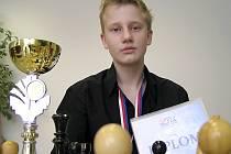 Mladý šachista Václav Růžička  zatím neopustil evropský kontinent. Na podzim ho ale čeká cesta do Asie.