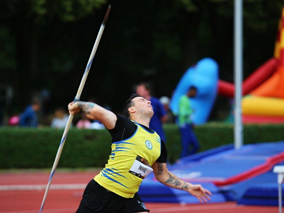 Kladno hází 2019 / Atletický meeting Kladno 13. 7. 2019, kladenský Mihál