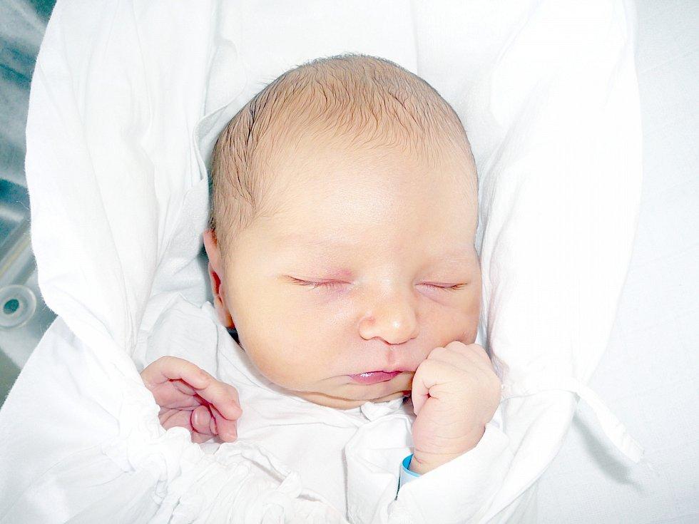 Aleš Roman, Kačice. Narodil se 6. června 2013. Váha 2,84 kg, míra 47 cm. Rodiče jsou Iveta a Aleš Romanovi (porodnice Kladno).