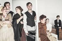 INSCENACE  vznikla dramatizací povídky Isaaca Bashevishe Singera  Jentl, chlapec z ješivy.