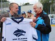 Slavnostní otevření zrekonstruované hokejbalové arény Kladno. S Milanem Maršnerem šéf Alpiqu Kladno Milan Prajzler