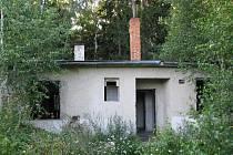 Areál bývalého muničního skladu se nachází nedaleko obce Drnek na Kladensku.