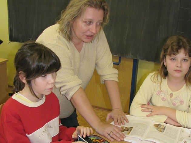 ŔEDITELKA  Jitka Seidelová se žáky, kolegyněmi i budovou bude jen těžko loučit.