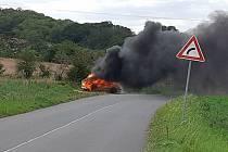 U Drchkova shořelo v pátek 28. srpna 2020 auto.