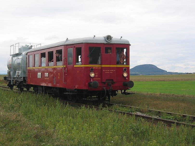 Sbírka zlonického železničního muzea se rozšířila o nový motorový vůz, kterému se lidově říká Hurvínek.