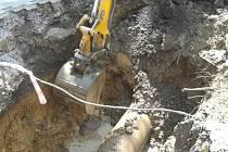 Poškozené potrubí muselo být vyměněno.