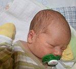 LUKÁŠ BEZNOSKA, MŠENÉ LÁZNĚ. Narodil se 4. května rodičům Heleně a Petrovi. Váha: 3,5 kg, míra 50 cm. (por. Slaný)