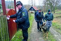 Policie společně se strážníky při kontrole chat na Unhošťsku
