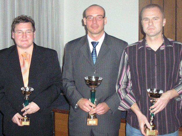 Také trenéři (zleva) Hašek, Žák a Hlaváč se připravují na novou futsalovou sezonu.
