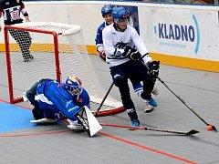 Alpiq Kladno (v bílém) porazil Pardubice ve třetím kole extraligy nečekaně vysoko 7:1