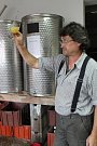 Ceny burčáku se na Kladensku pohybují za litr okolo 70 až 100 korun. Kvalita však může být různá.