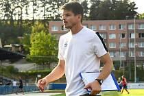 Králův Dvůr (v modrém) podlehl doma v MOL Cupu Táborsku 1:2. Trenér Jiří Sabou